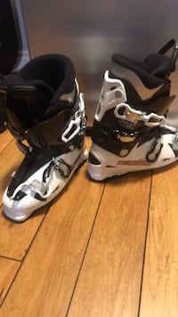 Men's ski boots size 28.0, worn onces Mississauga, L5H 4A1