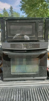 black induction range oven and microwave oven Southfield, 48076