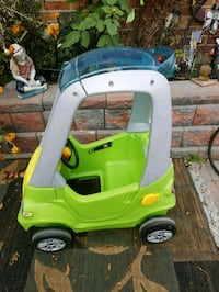 Excellent Step 2 car for kids.  Selling it for $20 only.   Toronto, M1V 2N7