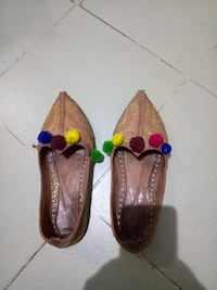 pair of brown leather flats Delhi, 110025