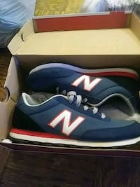 pair of blue New Balance low-top sneakers Washington, 20020