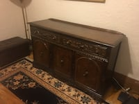 BEAUTIFUL SOLID WOOD DINING ROOM BUFFET MONTREAL