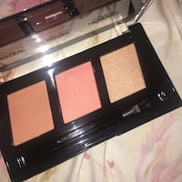 Highlight, blush, and contour palette  Mississauga, L5M 3K4