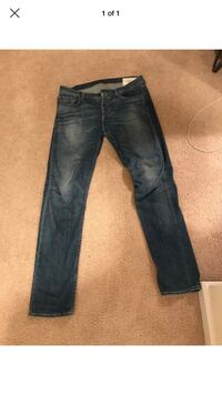 3 pair of men's jeans size 34 rag and bone and American Eagle  Livingston, 07039