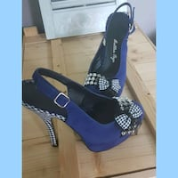 Betty Page peep toe shoes Whitby, L1N 8X2