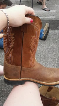 pair of brown leather cowboy boots Bluff City, 37618