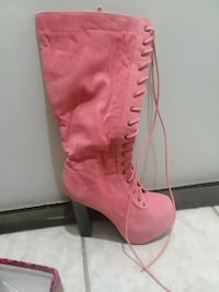 Pink suede boots size 7 Omaha, 68147