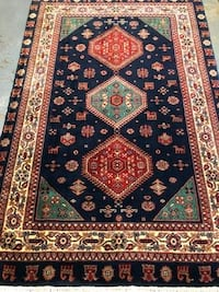 Hand knotted 4' x 6' Persian Tribal design rug Laurel