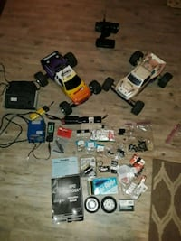 2 rc cars electric,2 chargers,1 remote,extra  Louisville, 40218