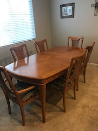 Dining Room Table & 6 Chairs with 1 leaf (78x42 with leaf) Henderson, 89044