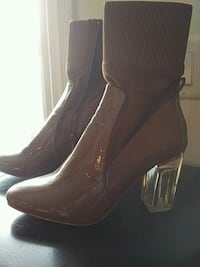 Nude boots Lucite heel Size 10 No scuffs Barrie, L4M 5K4