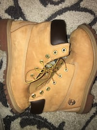 Real timberlands size 7 $70 Annandale, 22003