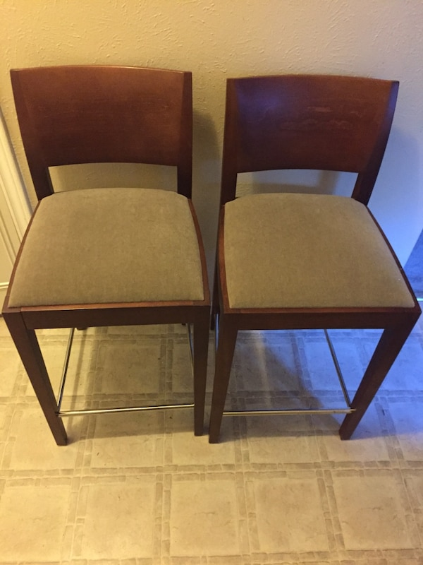 Swell Andreu World 2 Counter Stools Like New Evergreenethics Interior Chair Design Evergreenethicsorg