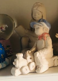 Assorted Austin Sculpture Bright Eyes Collection New Orleans, 70124