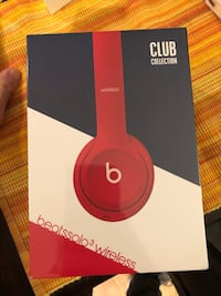 Beats Solo3 Wireless headphones Club Collection New. Sealed box Arlington, 22202