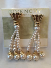 Givenchy vintage earrings Langley, V1M 3T3