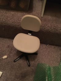 American girl doll desk chair.  Retired in early 2000 Herndon, 20170