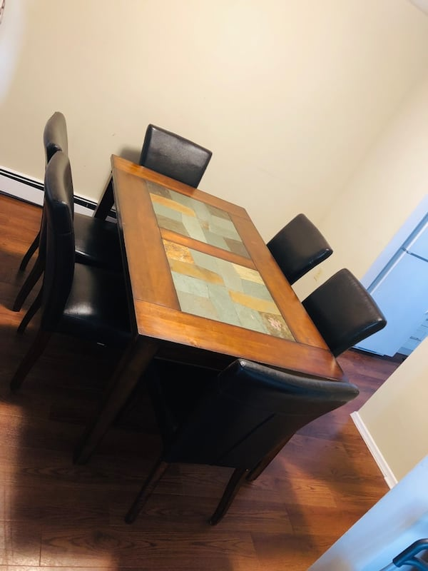 Dining table and 6 Chairs  53d40174-3341-4604-9e7f-877bc0240074