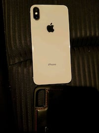Iphone x (10) 64(GB) white almost brand new