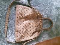 5.00 tan and gold purse Calgary, T2A 4T7