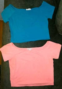 2 WOMEN CROP TOPS SIZE LARGE