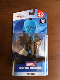 blue and black action figure Moxee, 98936