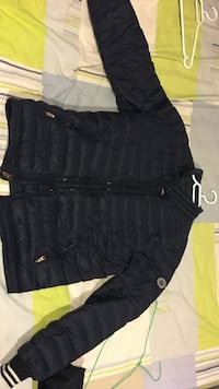 Abercrombie and fitch stone island lightweight down jacket bubble dark blue Richmond, V6Y 4G2