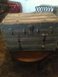 black and brown wooden chest Tulare, 93274