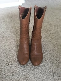 Women's cowboy boots  Falls Church, 22041