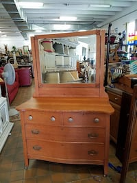 Antique dressing table $300 plus tax  Spring Hill, 37174