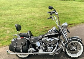 This bike looks amazing 2003 Harley Davidson $1OOO