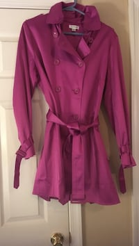 Mulberry waterproof trench coat, double breasted, wind catcher, belted and animal print inside. made by joan rivers.  size medium. never ever worn. cotton, polyester and spandex. paid $96.00. Havre de Grace, 21078