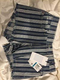 7 for all mankind shorts 24 nwt Fairfax, 22032