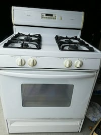 Amana self clean gas stove- oven( moving sale) Markham, L3S 3Y9