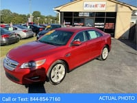 2011 *Ford* *Taurus* SEL Sedan 4D coupe Red Monroe