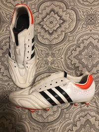Men's Adidas Soccer Shoes, size 11.5
