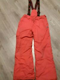 Hot pink  snow pants with removable straps  Niagara Falls, L2G 4Z4