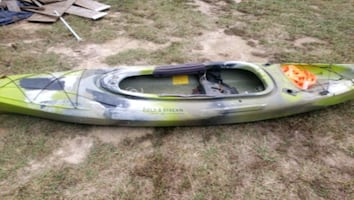 12' field and stream eagle run 12 barely used with paddles $300obo