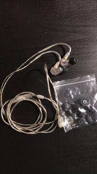 Shure SE215 IEM in excellent condition null