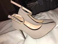 Nude heels with gold chain strap Los Angeles, 90501