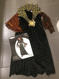 Halloween costume size 7-8 London, N6B