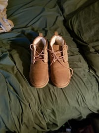 Mens Uggs size 10