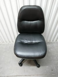 2 desk chairs
