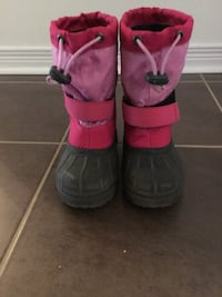 Columbia  winter  boots  Toddler  size  10 Mississauga, L5V