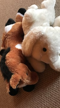 Large paint horse and rabbit stuffed animals Gaffney, 29341