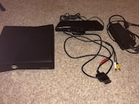 Xbox 360 + Kinect + 11 games + 3 controllers Conroe, 77302