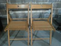 Folding chairs set of 2 for $10  null
