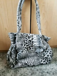 black and white leopard print purse Thunder Bay, P7C 3Y9