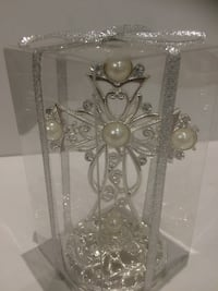 silver-colored pearl encrusted cross miniature Markham, L3T