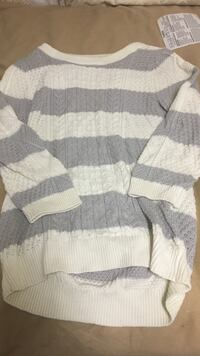 White and grey knit scoop neck sweater Concord, 94520
